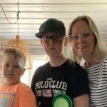Edwin 9, Emil 12 Jahre & Mutter Malin