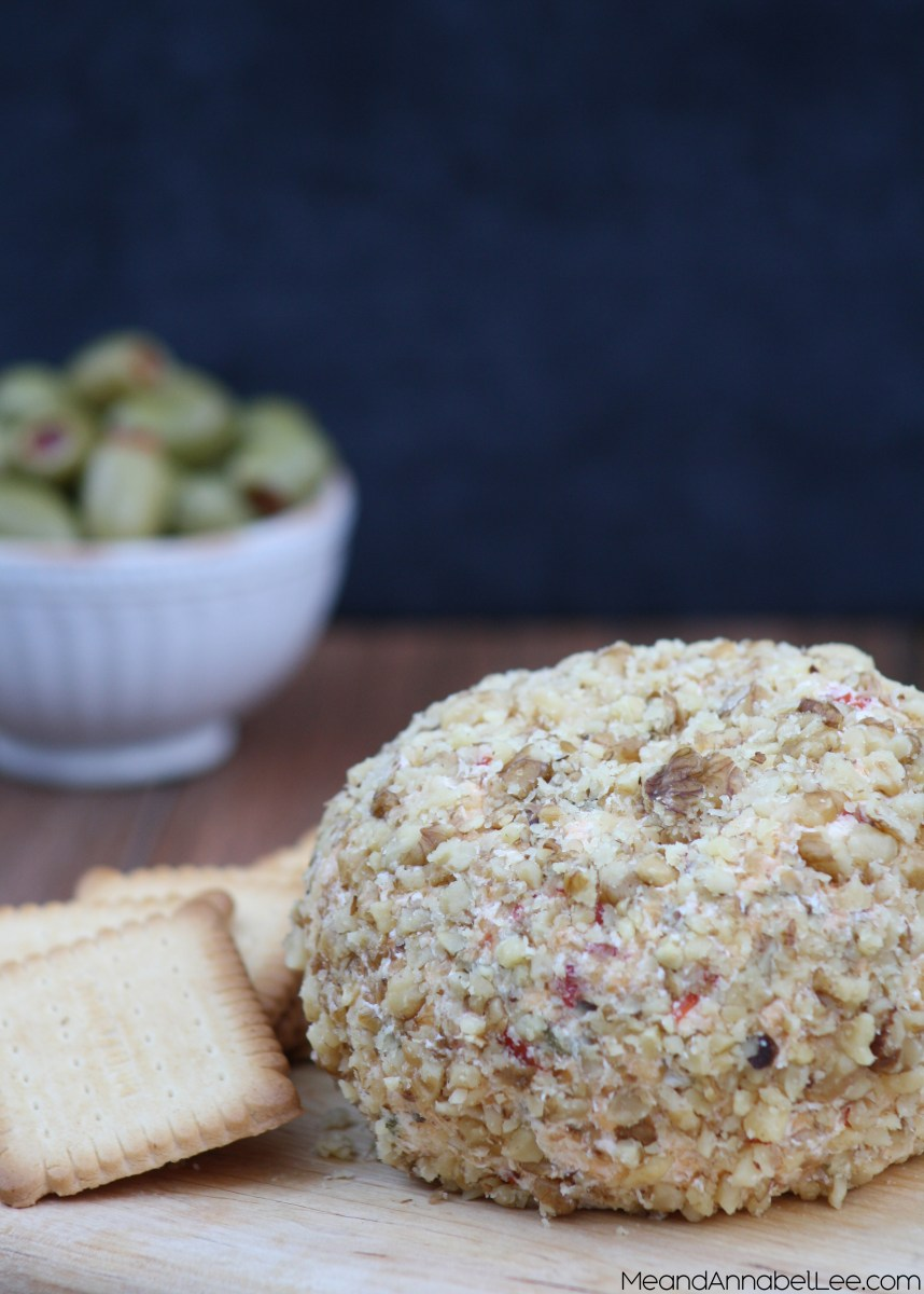 Cheddar Olive Cheese Ball