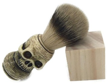 20 Macabre, Twisted, Unusual, Dark, Victorian, & Gothic Stocking Stuffers | skull shaving brush | Christmas Shopping | Gifts for Him | www.MeandAnnabelLee.com