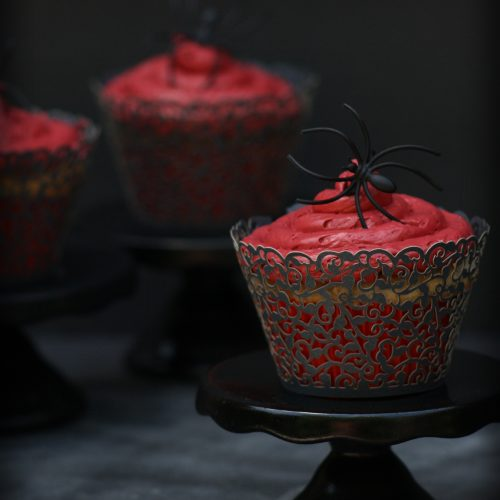 DIY Black Widow Cupcake Stands - Baking like a Badass - Black Red Cupcakes - Vampire Style - Gothic Baking - Goth It yourself - www.MeandAnnabelLee.com