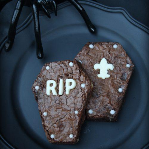 Coffin Brownie | Halloween Dessert | RIP | Fleur de Lis Candy Mold | www.MeandAnnabelLee.com