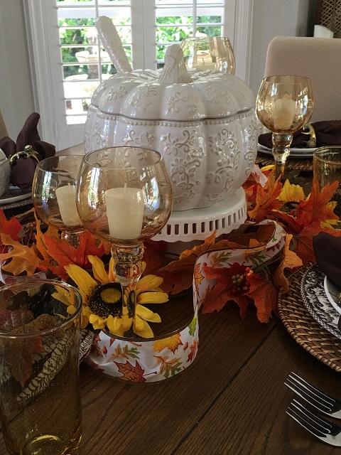White pumpkin tablescape16