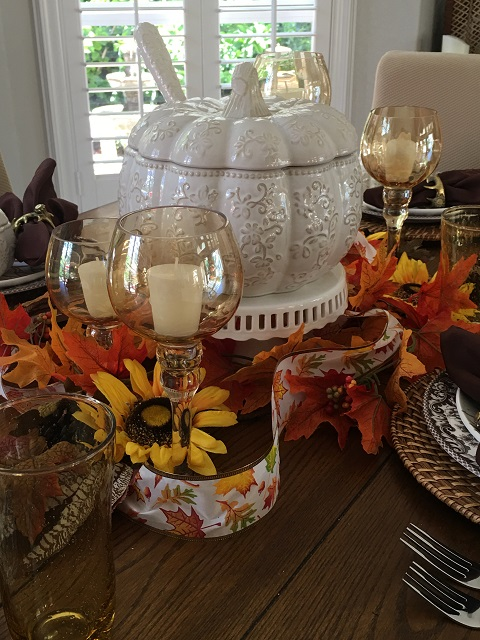 White pumpkin tablescape16