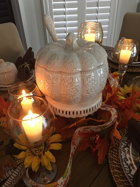Blog - White pumpkin tablescape18