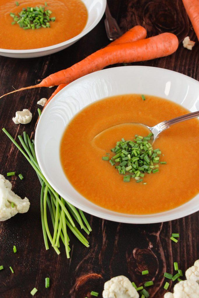 Creme de cenoura e couve-flor com cebolinho 4