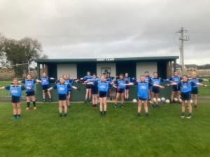 u12 girls team stretching