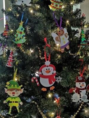 Scoil an Spioraid Naoimh decorations