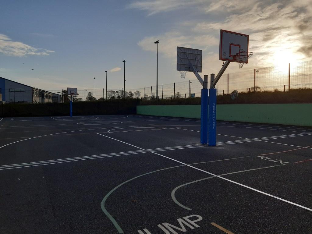 Le Chéile E.T.N.S. Basketball courts
