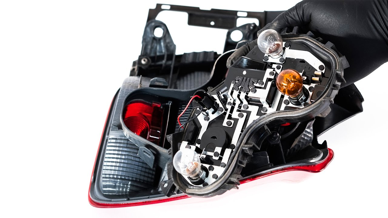 bmw 1er f20 f21 rücklicht wechseln - mechaniker24