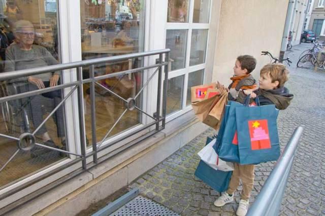 Basisschool O.L.V. van de Ham brengen kerstmarkt naar WZW Milsenhof