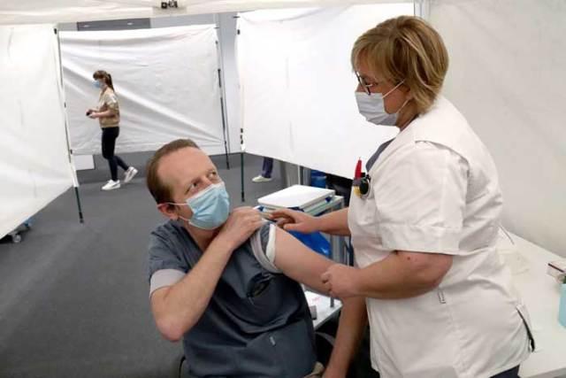 Corona vaccinatie medewerkers AZ Sint-Maarten Mechelen