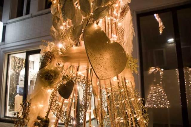 Gouden pijlen en harten in Valentijn Mechelen