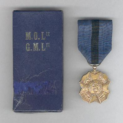 Order of Leopold II, gold medal (Ordre de Léopold II, médaille d'or / Orde van Leopold II, gouden medaille), pre-1951 issue, in original case of issue by P. DeGreef of Brussels