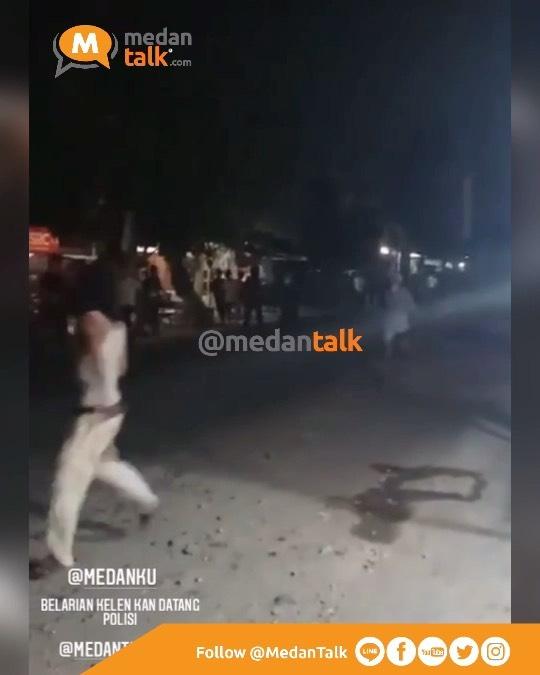 Keributan antara pemuda terjadi lagi di daerah klambir 5 Menurut pengirim video, kejadian pada jam 02.00 WIB dan sering terjadi setiap malam minggu yang meresahkan masyarakat setempat  Laporan video dikirim oleh kawanmedantalk @nadilasiregar21