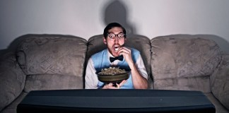 TV-SNACKING-CHRONIC