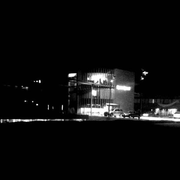@spoedpost bij nacht