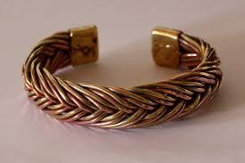 Les bracelets en cuivre