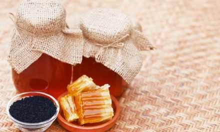 Le mélange miel et graines de nigelle