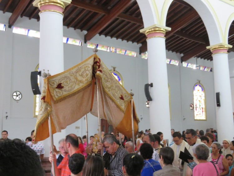 Procession in the Parish Church of Santa Ana (photo: Jeff Paschke)