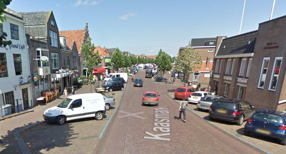 De Nieuwstraat in Medemblik met een groot parkeerprobleem