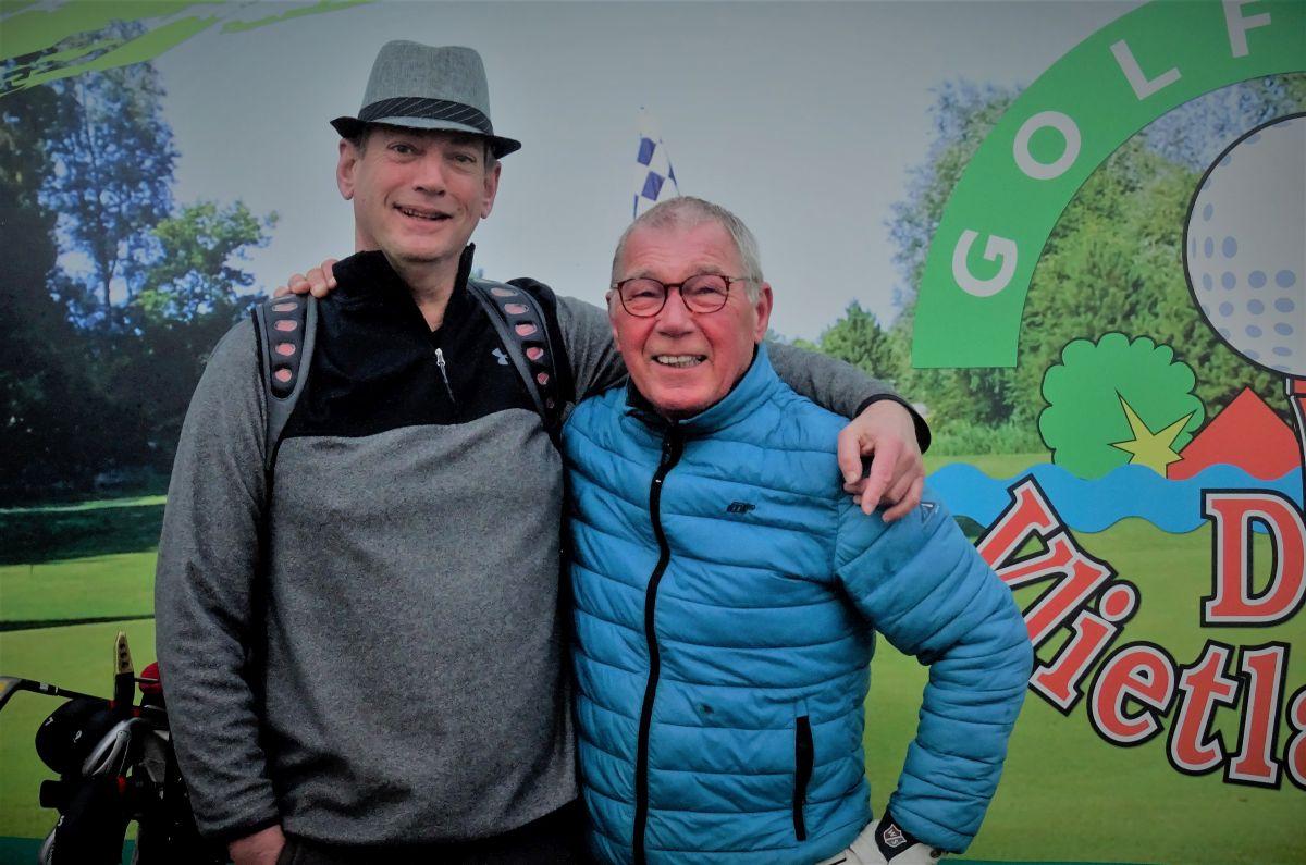Jan Boukens en Dirk Kerkhof gaan de uitdaging aan om deze dag 100 holes te lopen.