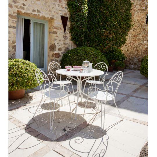 table de jardin ronde romantique