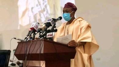 Photo of Covid-19: Buhari pardons 2,600 Nigerian inmates to reduce congestion