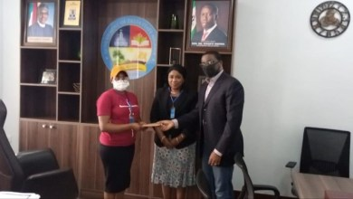 Photo of Okowa gives Lebanon returnees N100,000 as stipend in Delta