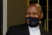 Photo of South African Health Minister, wife tests positive for COVID-19