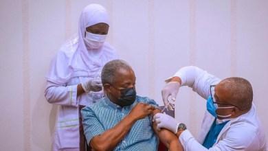 Photo of President Muhammadu Buhari and VP Osibanjo Vaccinated for COVID-19