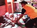 Kapolsek Sei Kepayang Kunjungi Riswani Penderita Sakit Paru-paru