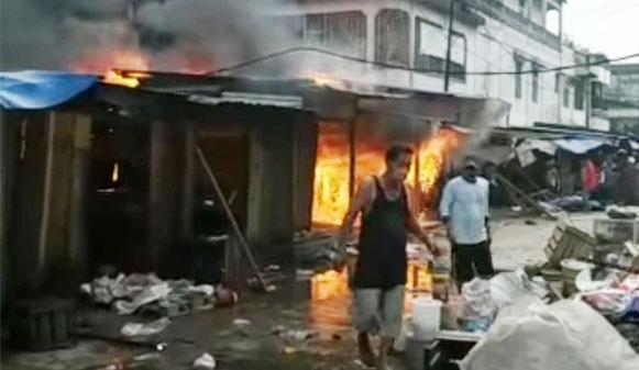 Ratusan Kios di Pasar Lama Perbaungan Sergai Terbakar