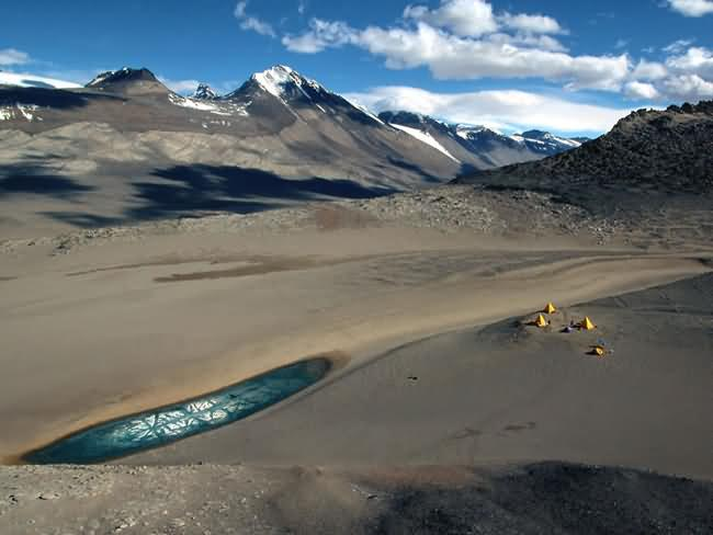 Dry-Valleys-Antarctica-1.jpg