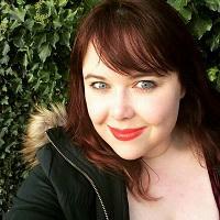 Julia Ember author pic