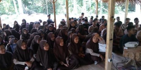 Sambil Nobar, Sekolah Ini Gelar Diskusi Tentang G30S/PKI