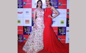 Alia Bhatt and Deepika Padukone at the red carpet of Zee Cine Awards 2019