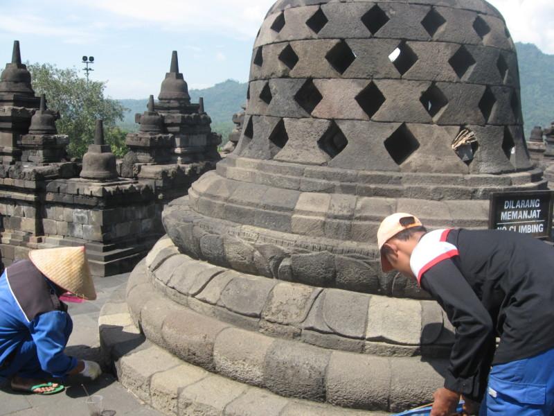 Pemugaran Candi Borobudur
