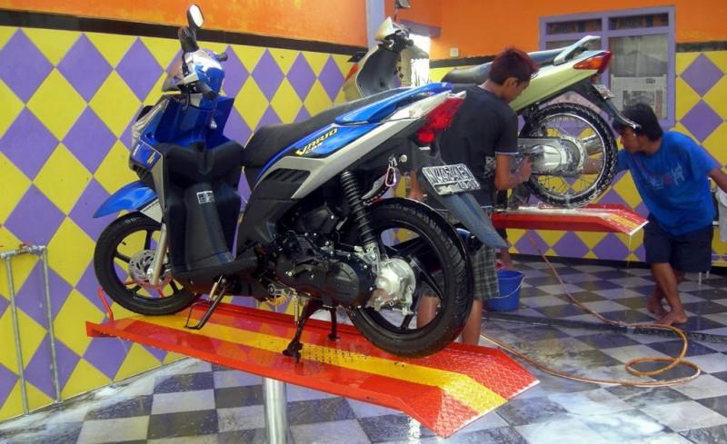 bisnis rumahan Jasa Cuci Motor