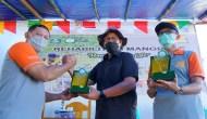 Permalink ke Peringati Hari Nelayan Nasional, Unkhair dan Harita Nickel Tanam Ribuan Bibit Mangrove