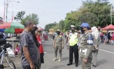 Permalink ke Gencar Operasi Yustisi, Petugas Gabungan di Batang Ingatkan Prokes ke Masyarakat