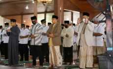 Permalink ke Situasi Pandemi, Forkopimda Cilacap Sholat Idul Fitri di Pendopo Kabupaten, Ini Khotbah Dandim Cilacap