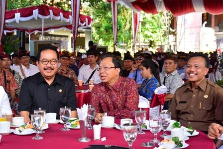 Gubernur Bali Wayan Koster Ramah Tamah dengan Ketua LP LPD se Bali dan BKS LPD Provinsi Bali di Rumah Jabatan Gubernur Bali, Jayasabha