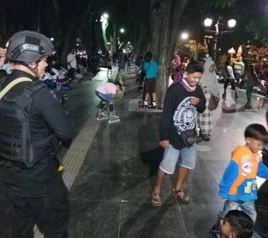 Antisifasi Tindak Kejahatan Personel Brimob Polda Bali di Lapangan Puputan Badung, Denpasar