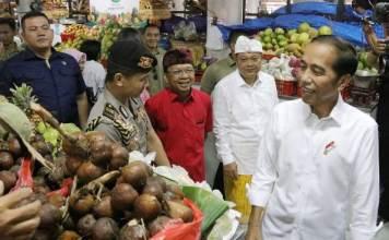Presiden Jokowi Blusukan di Pasar Badung dan Pantau Harga Kebutuhan Pokok