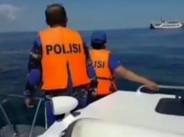 Sat Polair Polres Klungkung melakukan penyisiran di sepanjang pantai dan tengah laut