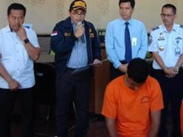 Kepala Bidang Penindakan dan Penyelidikan Kantor Wilayah DJBC Balli, NTB dan NTT saat ekspose kasus di Kantor Pengawasan dan Pelayanan Bea dan Cukai TMP Ngurah Rai, Rabu (19/6/2019)