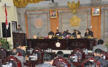 Rapat Paripurna Tanggapan/Jawaban Bupati Terhadap Pandangan Umum Fraksi- Fraksi DPRD Tentang 4 Ranperda