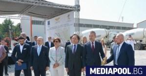 Започна изграждането на най-дългия железопътен тунел на Балканите