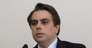 Асен Василев откри сериозни нарушения с базата на PFIA в курорта Албена