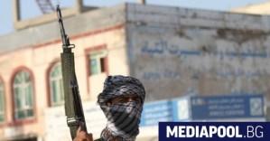 Талибаните превземат още две провинции и напредват към Кабул